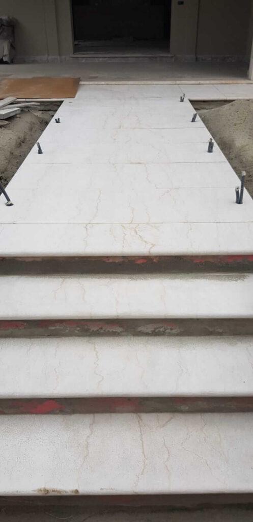 Sabbiatura scala in marmo