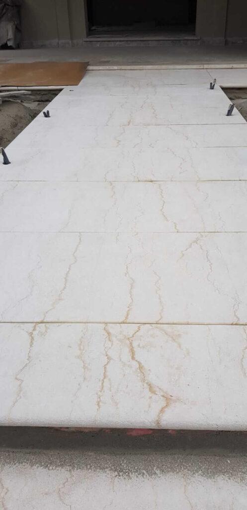 Sabbiatura scale in marmo