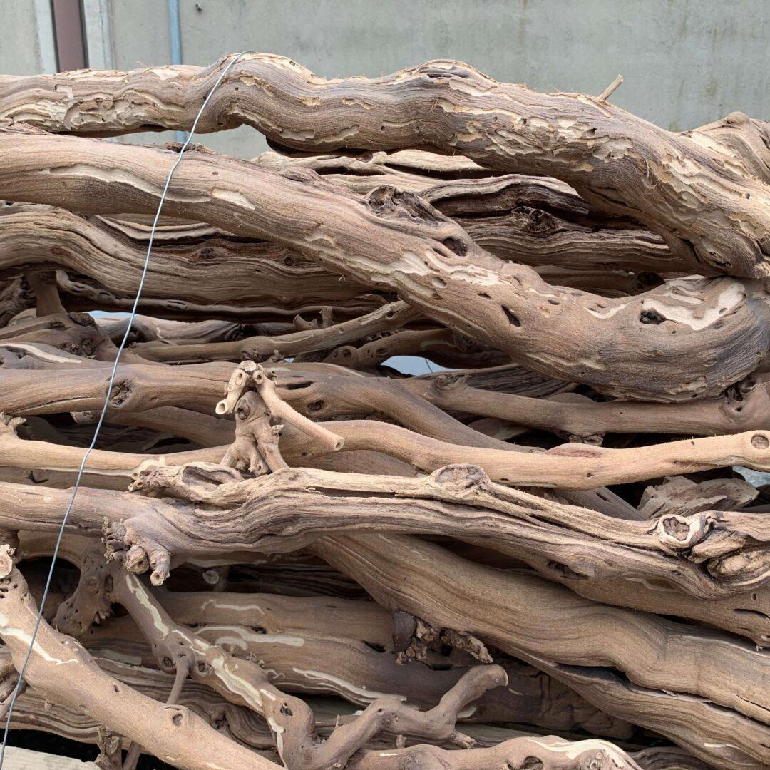 Legno di vite sabbiato e verniciato