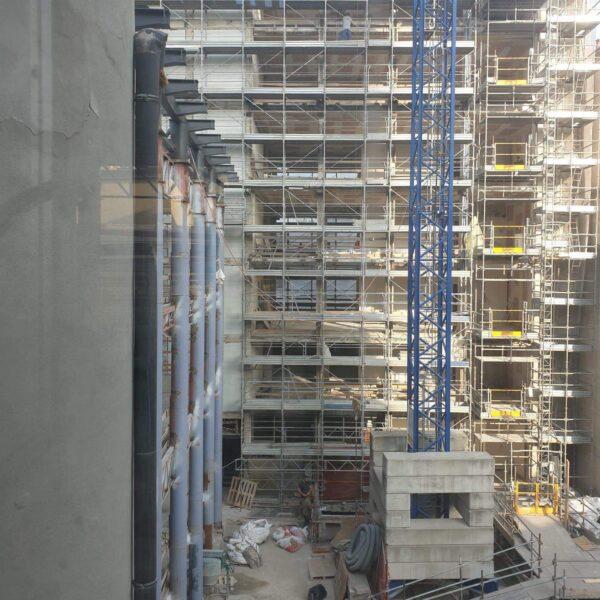 Sabbiatura pilastri centro commerciale