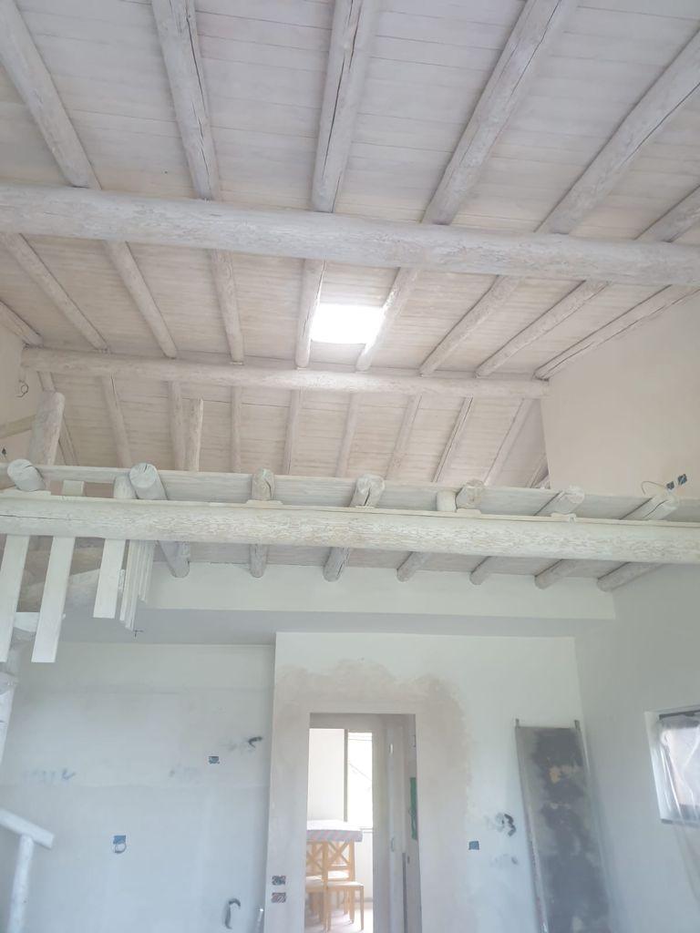 Sabbiatura e sbiancatura soffitto